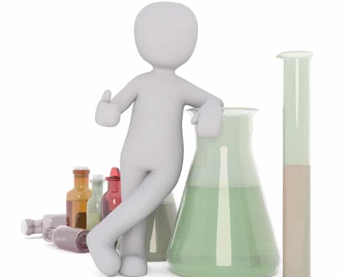 Figur im Labor stellt Wirkung da
